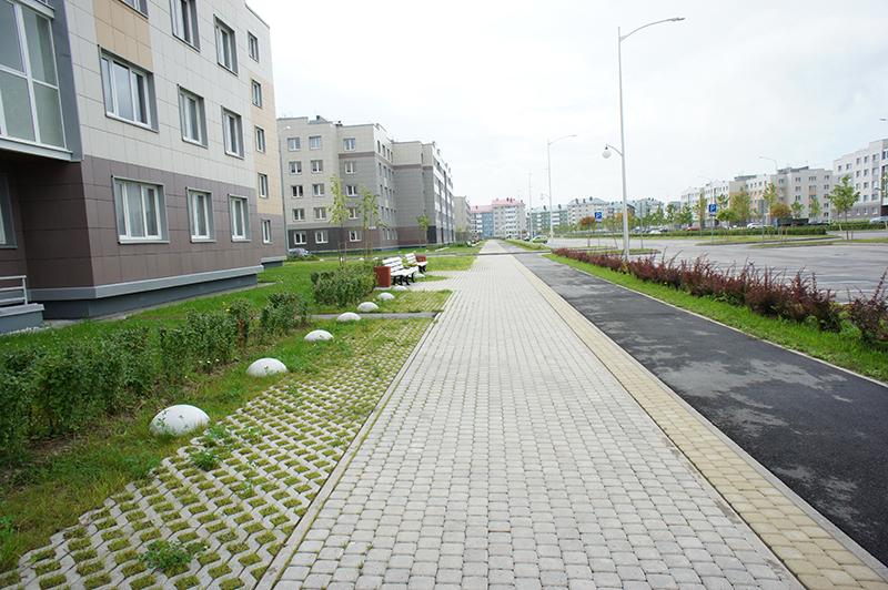 От центральных районов «Славянки» до оживленного Московского шоссе примерно полтора километра
