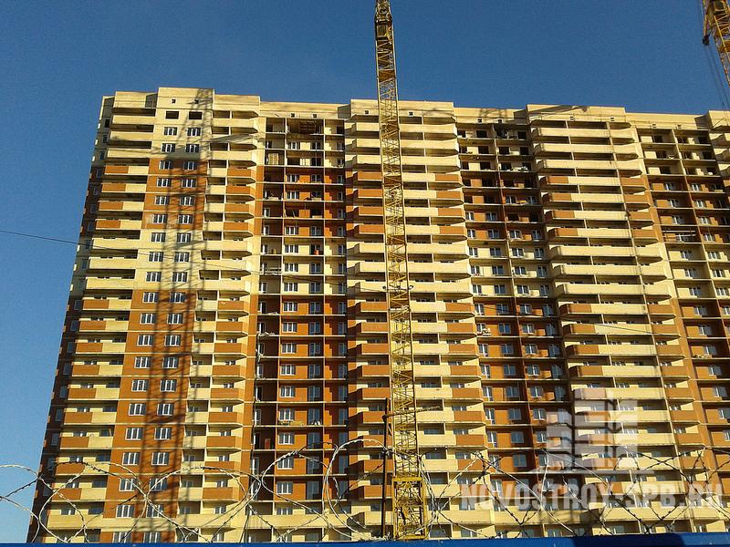 площадь однокомнатных квартир 31-42 кв. м, двухкомнатных 48-60 кв. м, трехкомнатных — 75 кв. м.