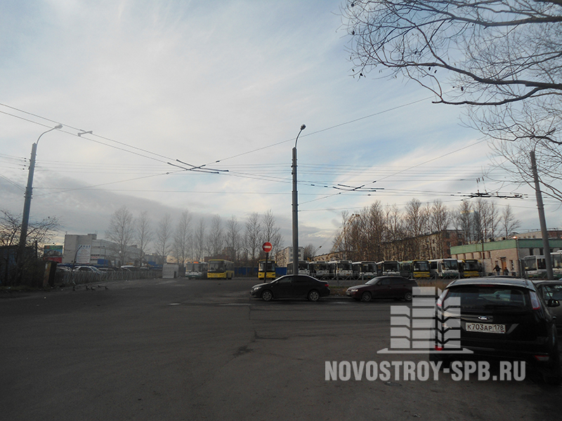 Рядом с ЖК «Перемена» находится автобусный парк.